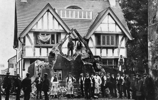 Building Thatched House 1910